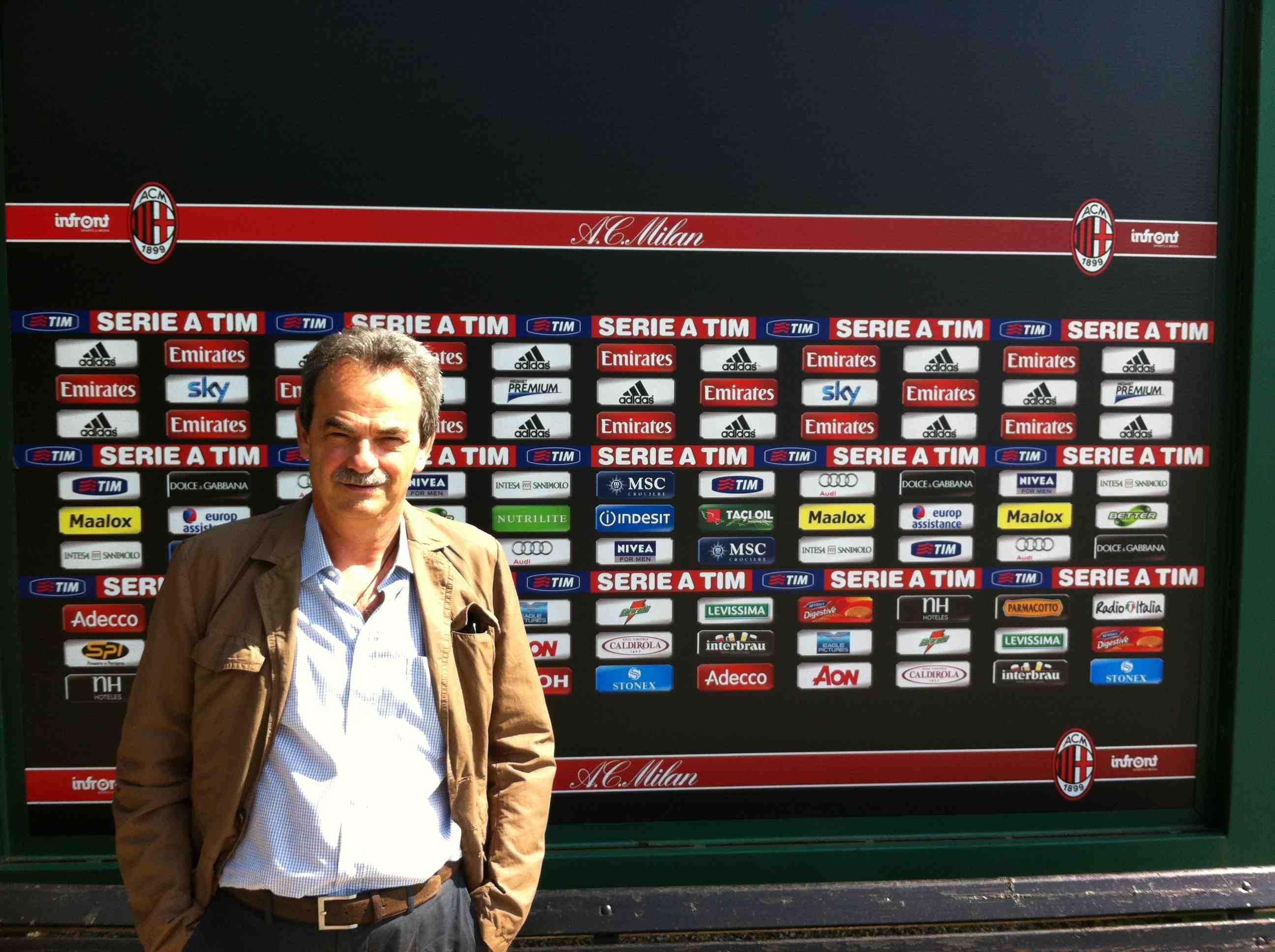 al Milan nel Centro Sportivo di Milanello prima di un allenamento dei calciatori rossoneri