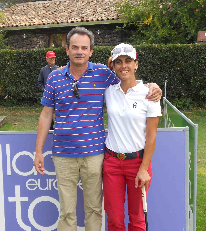 Armando Pintus con Stefania Croce durante un momento di pausa alla preparazione al Ladies Swiss Open 2011 presso il Golf Gerre Losone