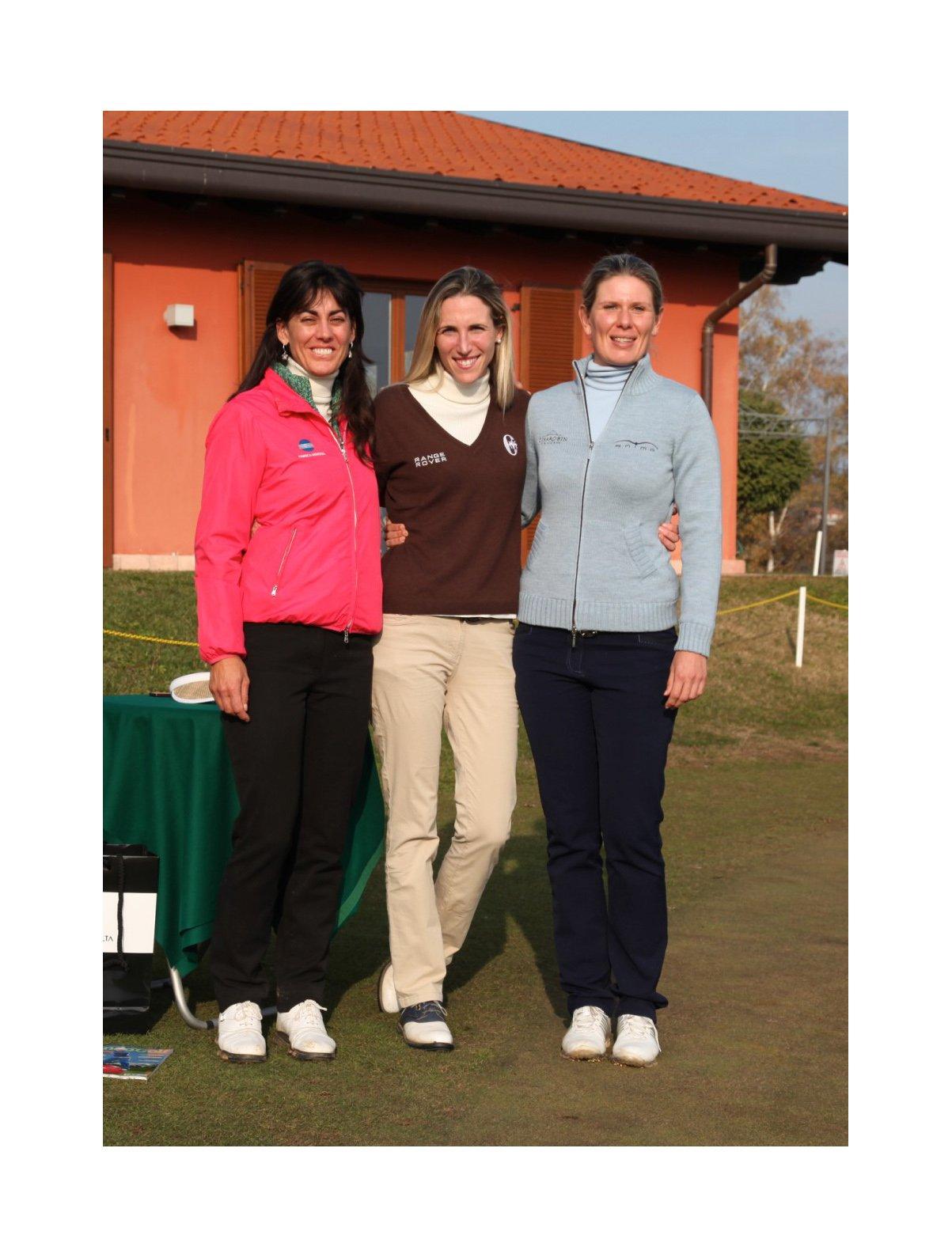 Stefania Croce, Diana Luna e Veronica Zorzi durante una clinic di golf tenuta nel 2012 al Virginia Golf di Appiano Gentile