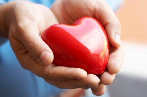 Come si possono aiutare le persone che soffrono di patologie cardiovascolari?